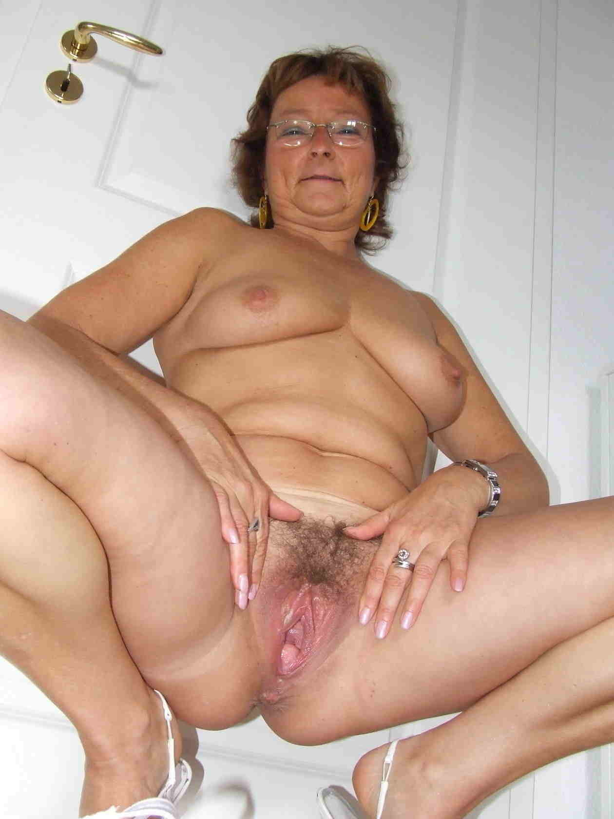 Pics grandma pussy Grandma Nude
